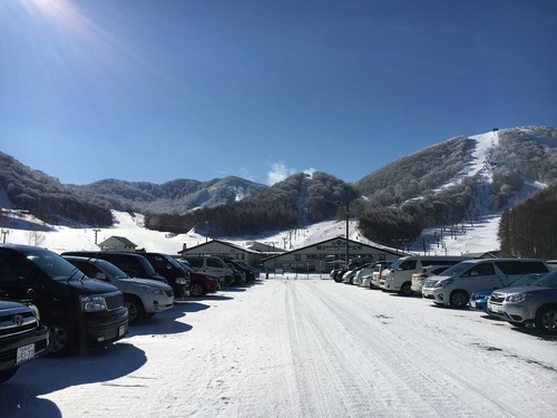 猫魔スキー場 駐車場