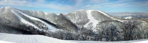 猫魔スキー場ラフューテインよりパノラマ